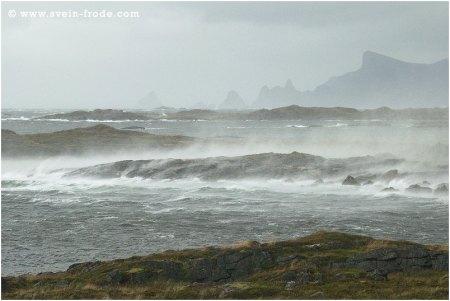 Høststorm i Børvågen på Andøya, 09.09.2009.